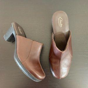 Clarks • Bendables Brown Mule Clogs Size 6M